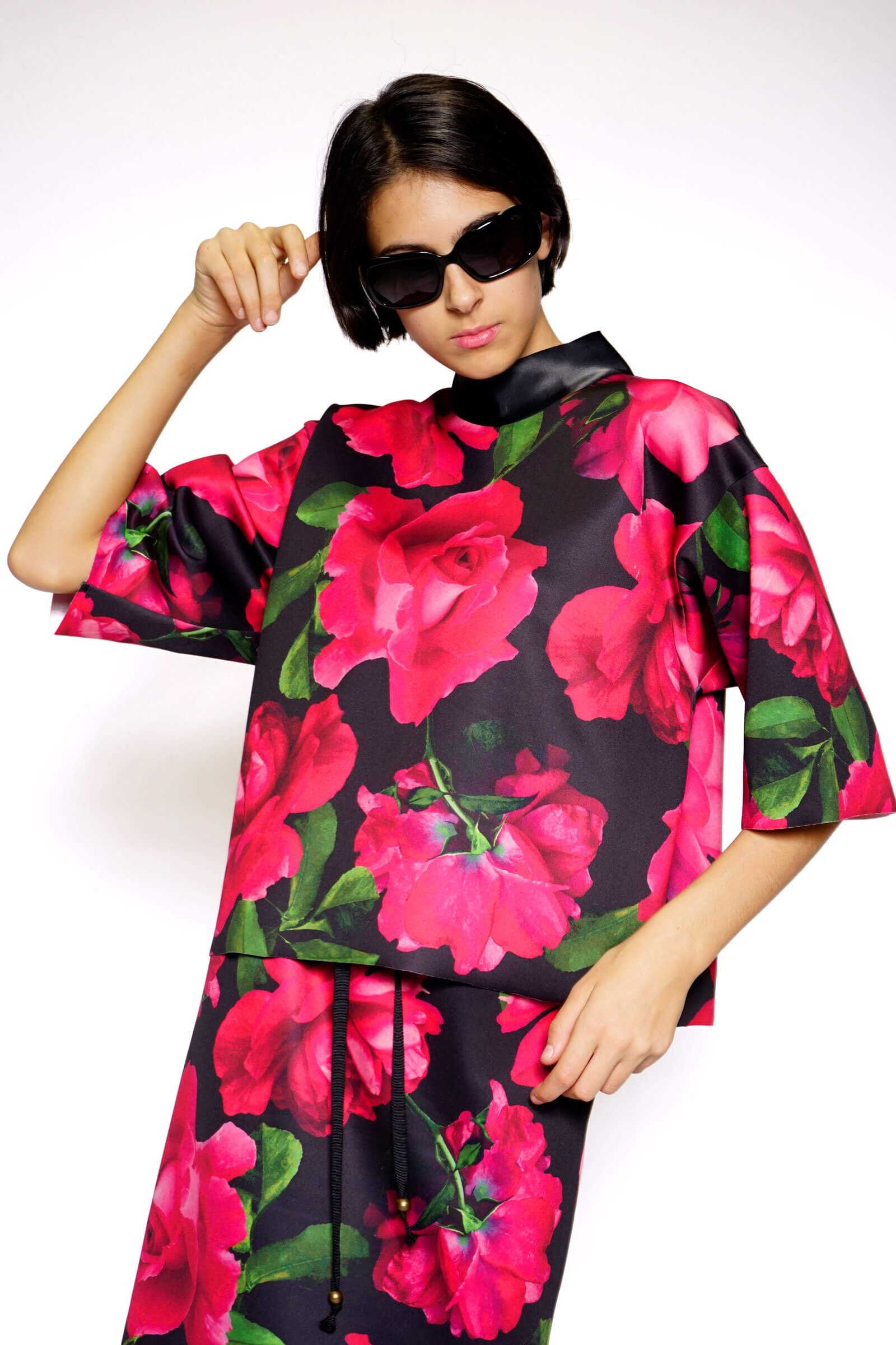 Top printed with roses