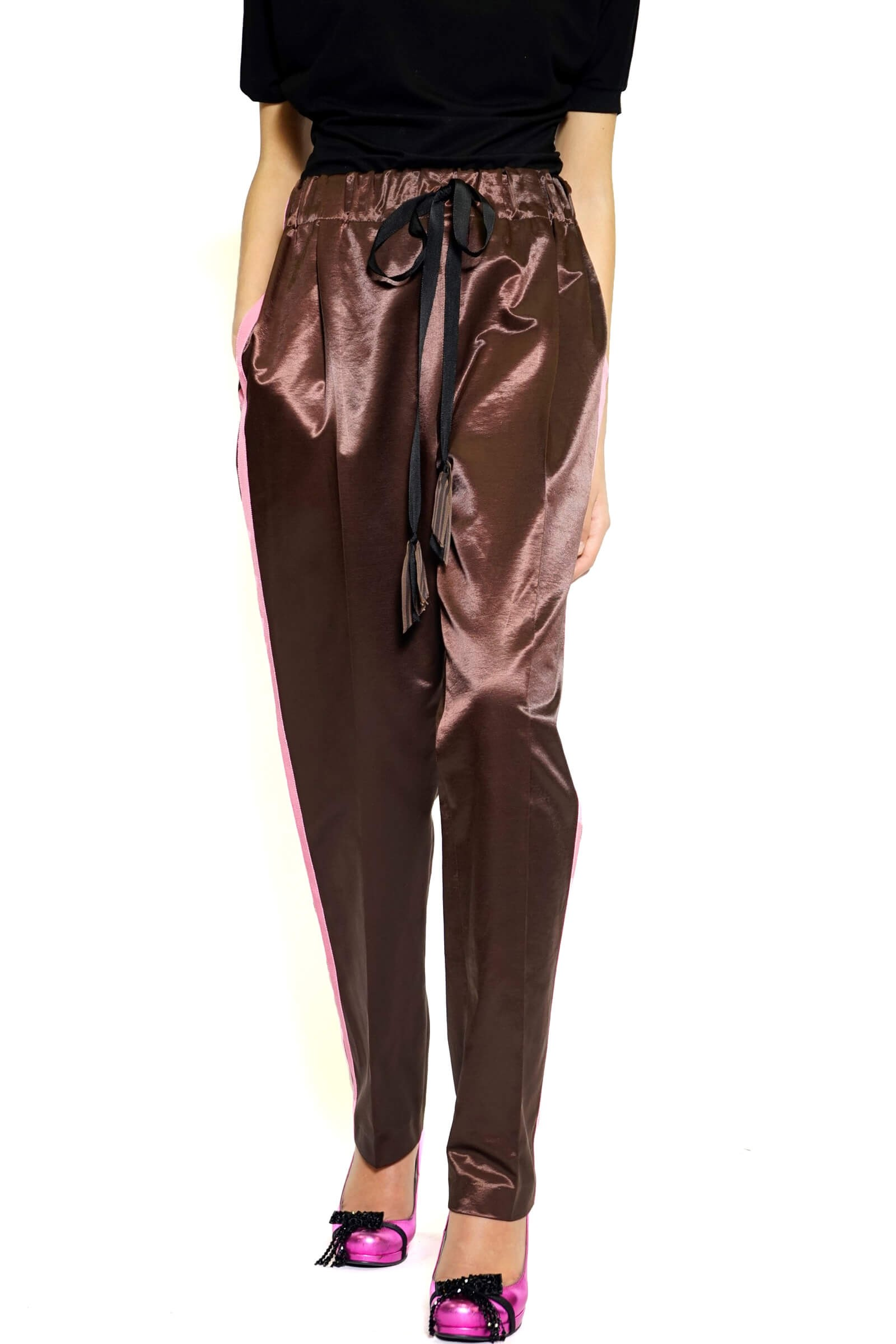 Pants with an elastic waist