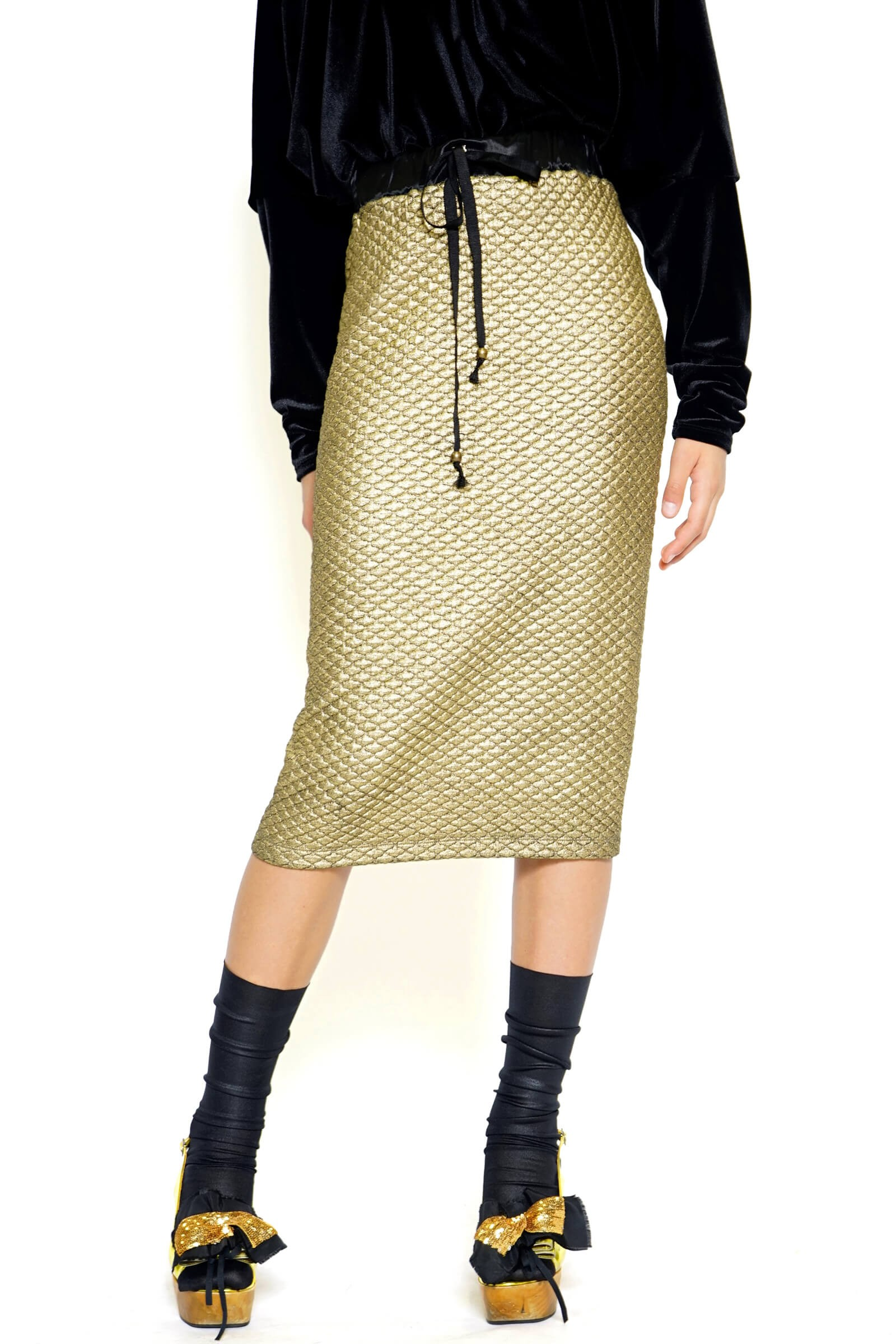 Golden skirt with a lace on...