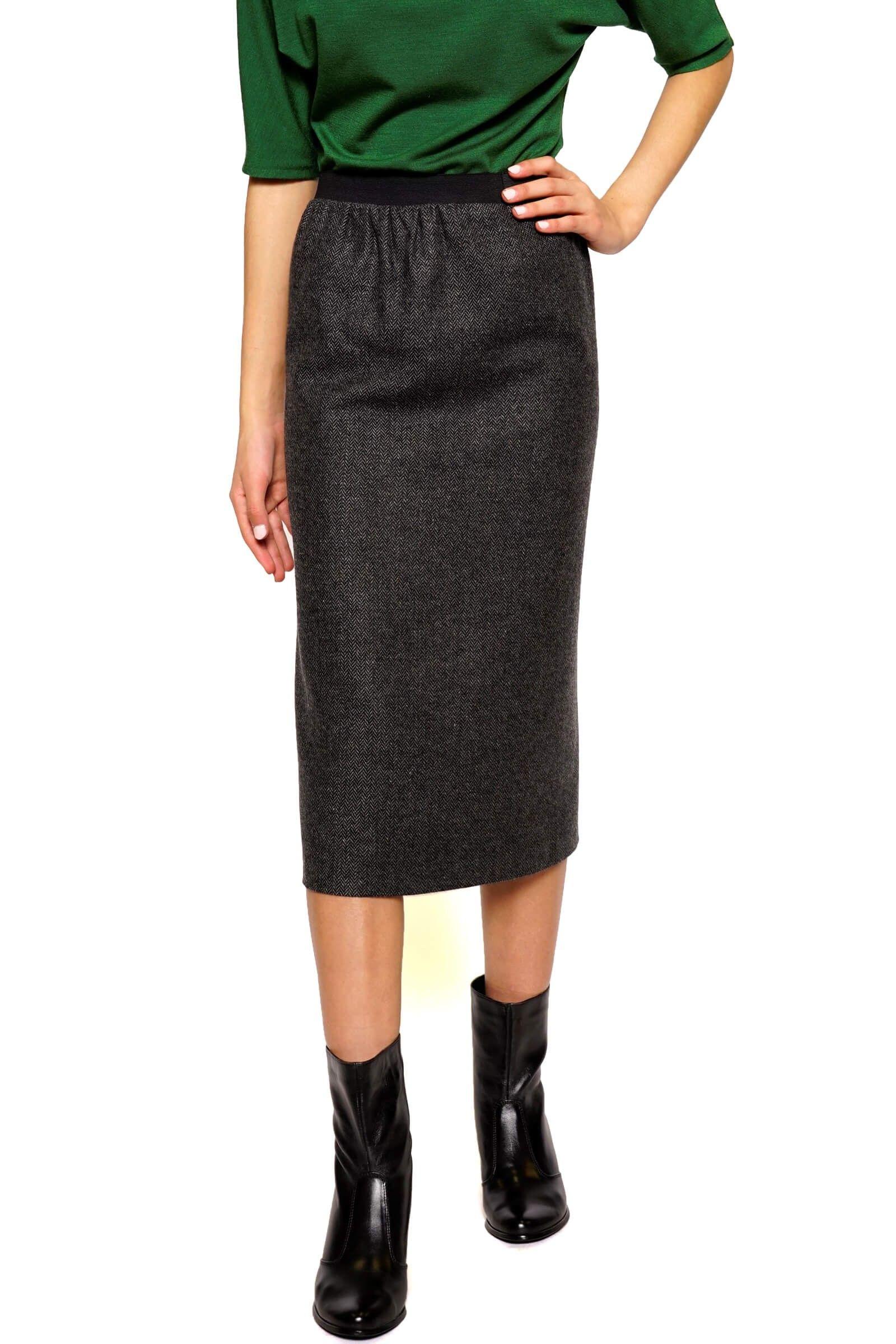 Straight fir fabric skirt