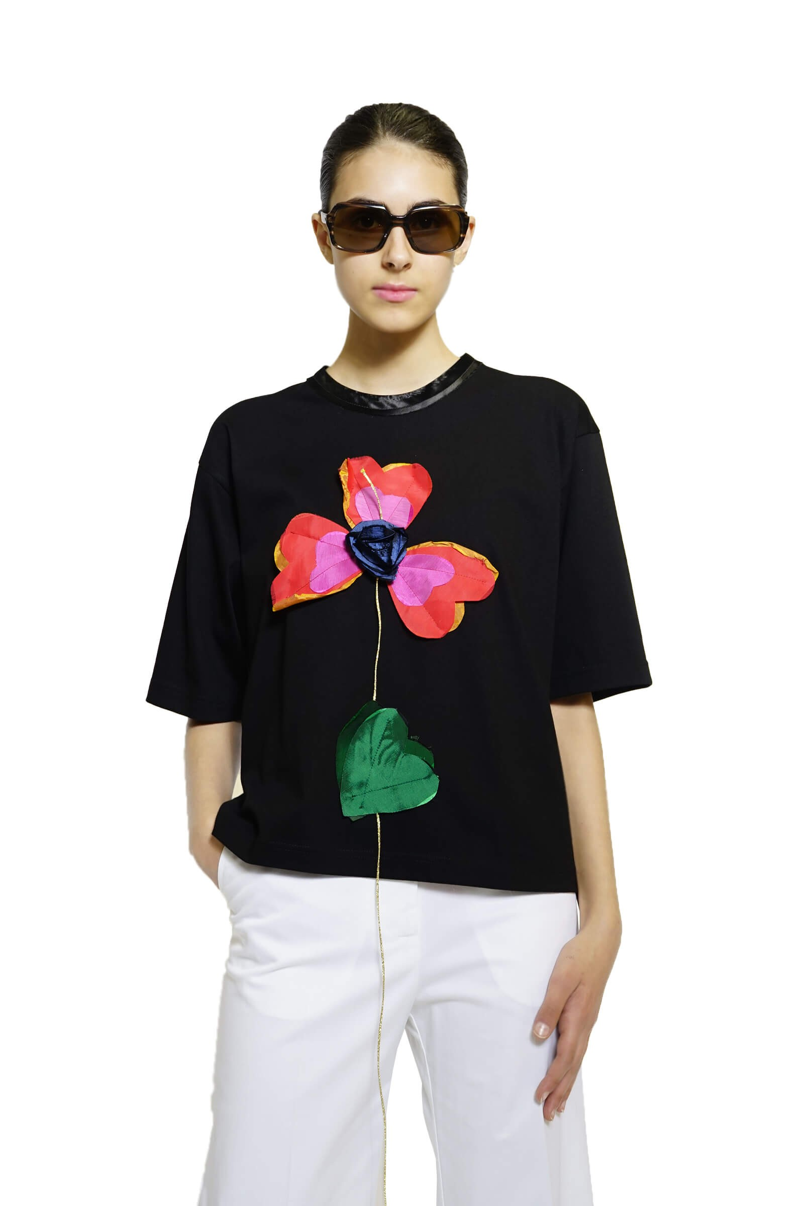 Black cotton top with flower