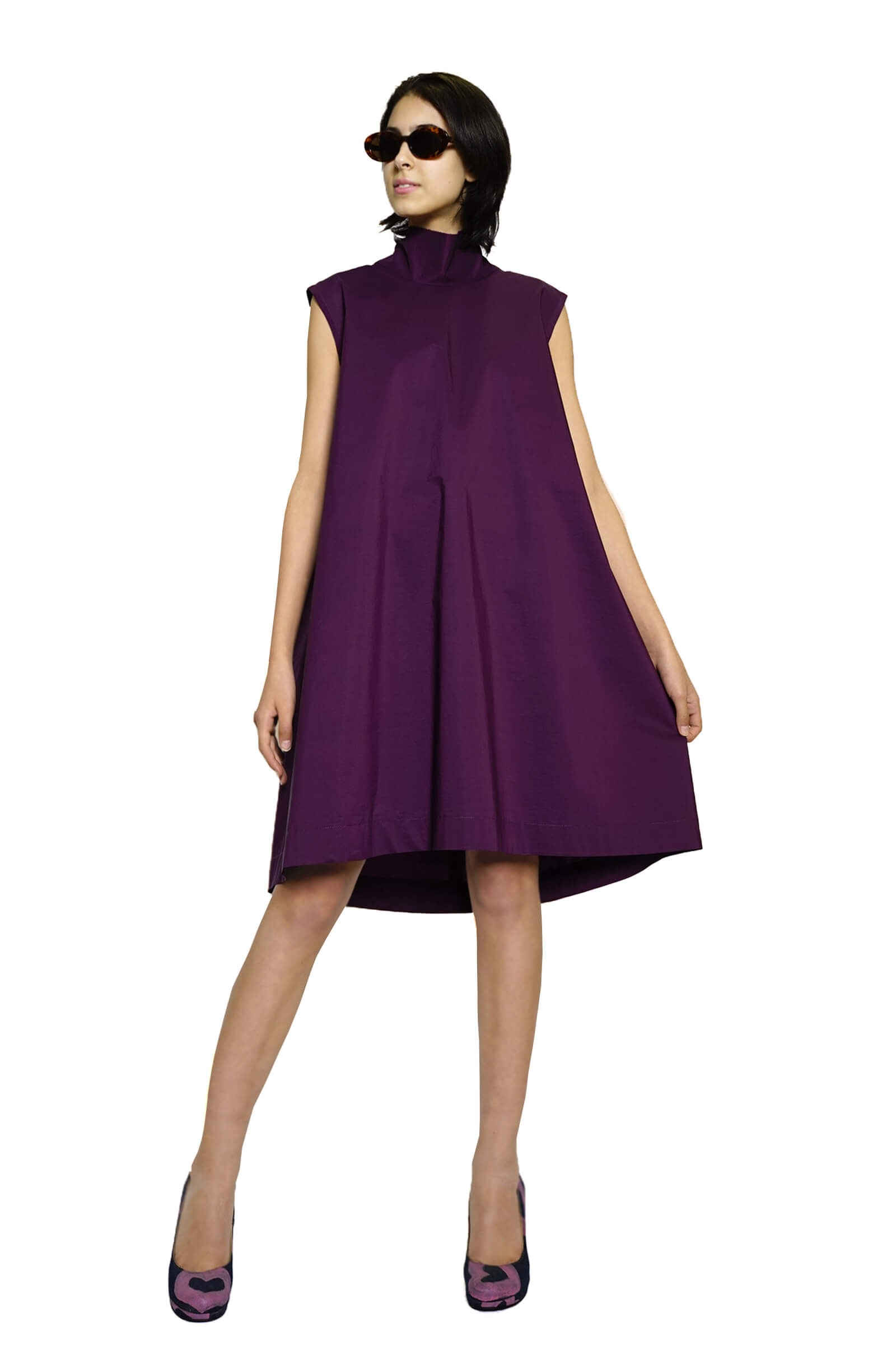 Flared purple dress with a...
