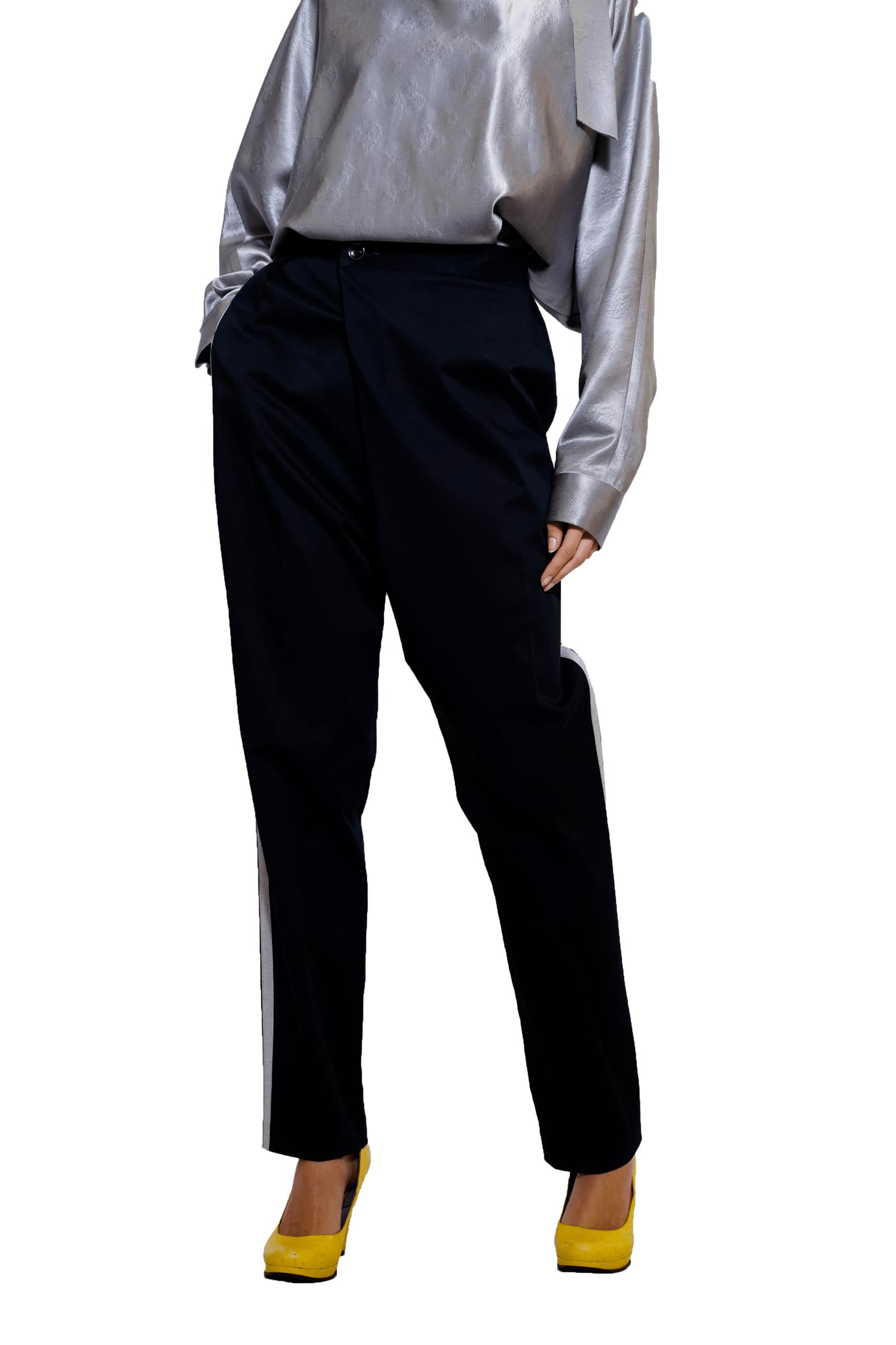 Black piping pants