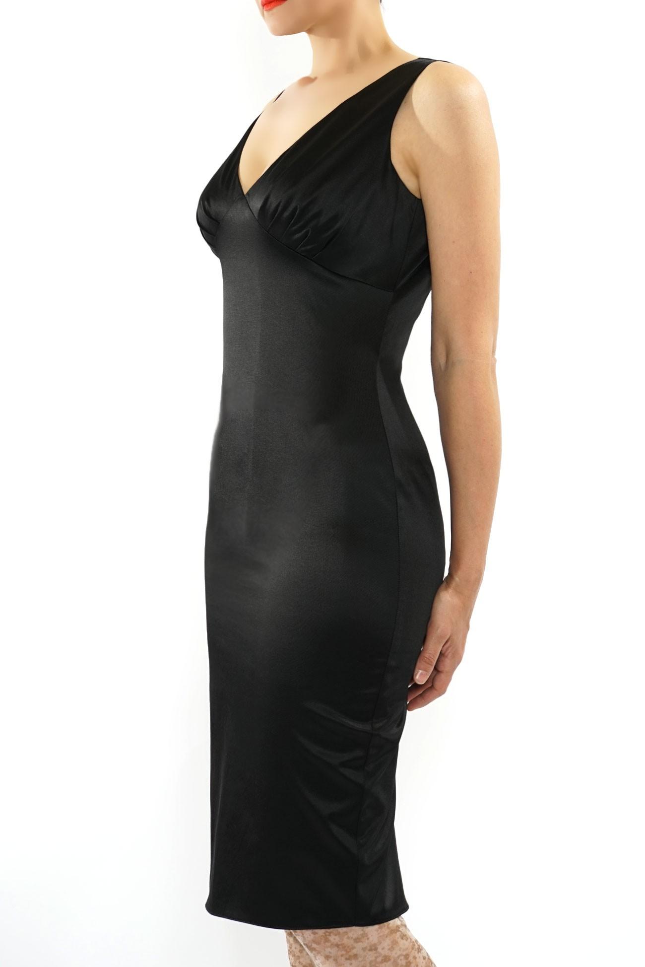 Rochie neagra cu cupe