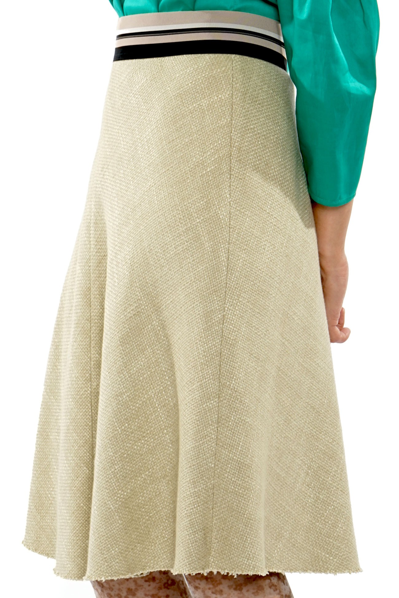 Beige skirt with elastic waist