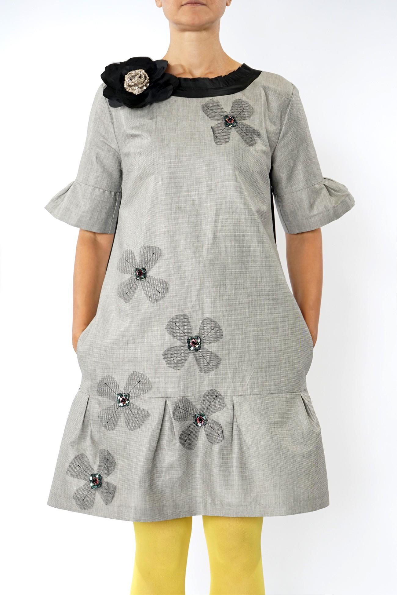 rochie midi  gri cu aplicatii manuale