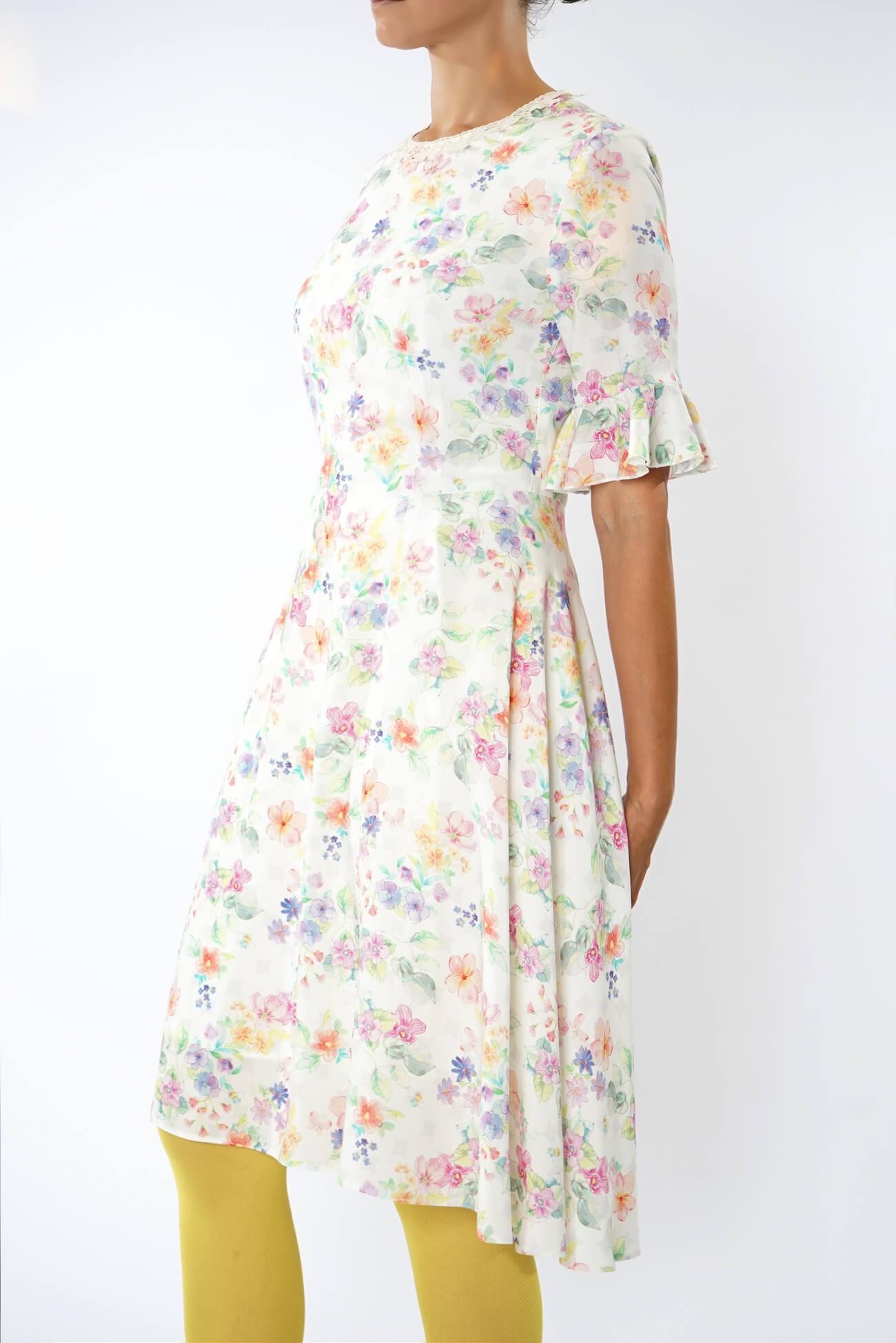 rochie midi cu volan la maneca