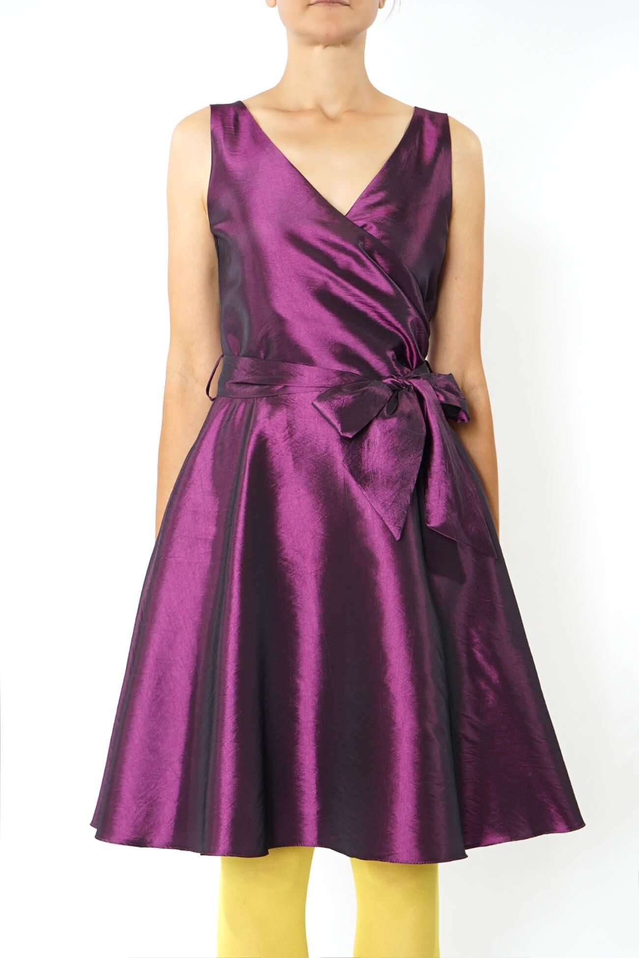 rochie midi petrecuta peste bust