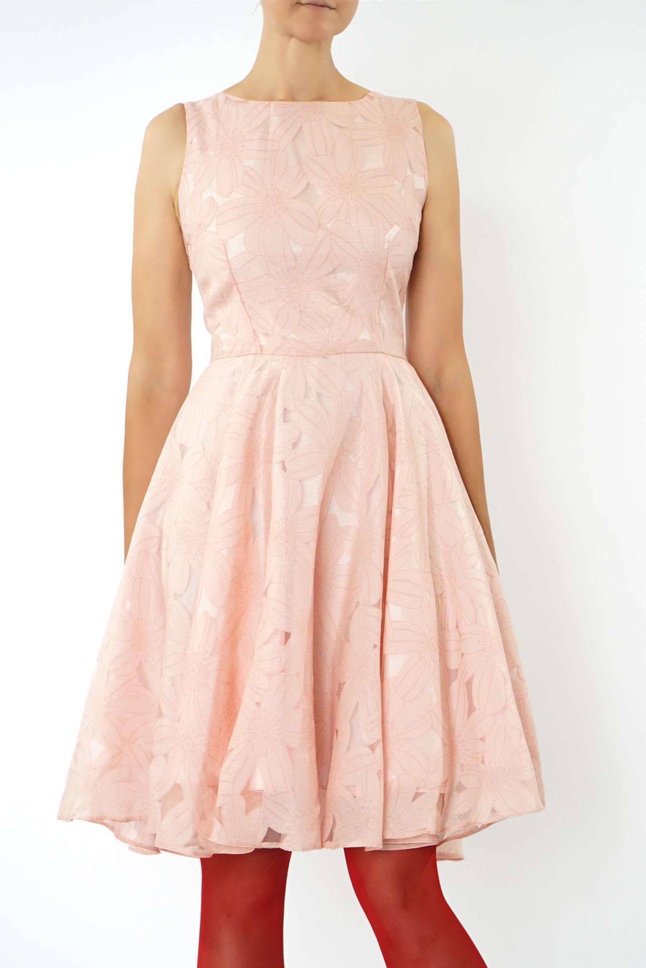 Rochie roz cu flori
