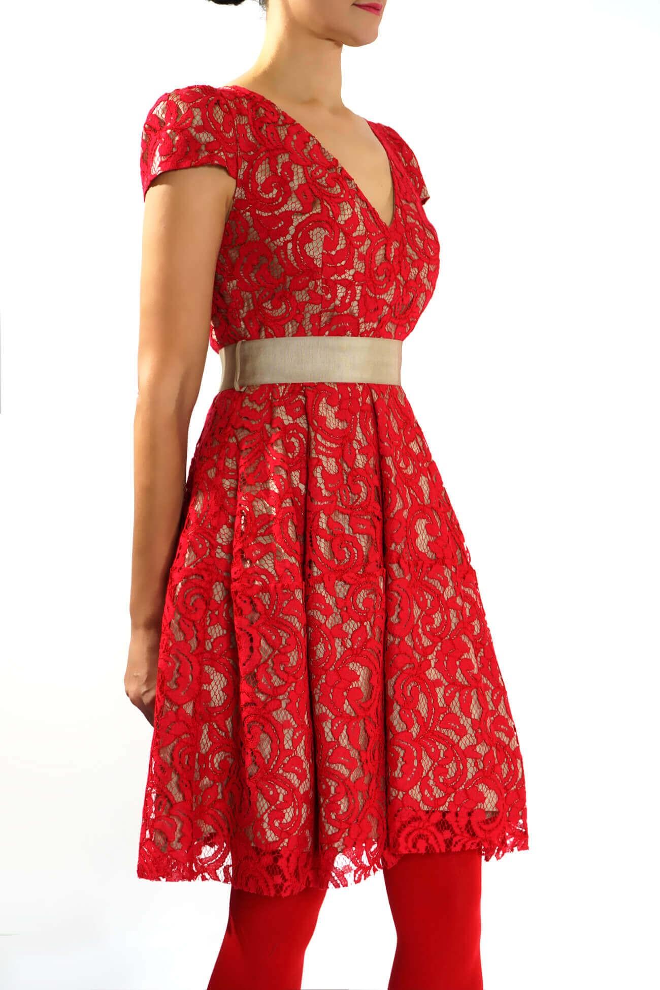 Rochie midi din dantela rosie