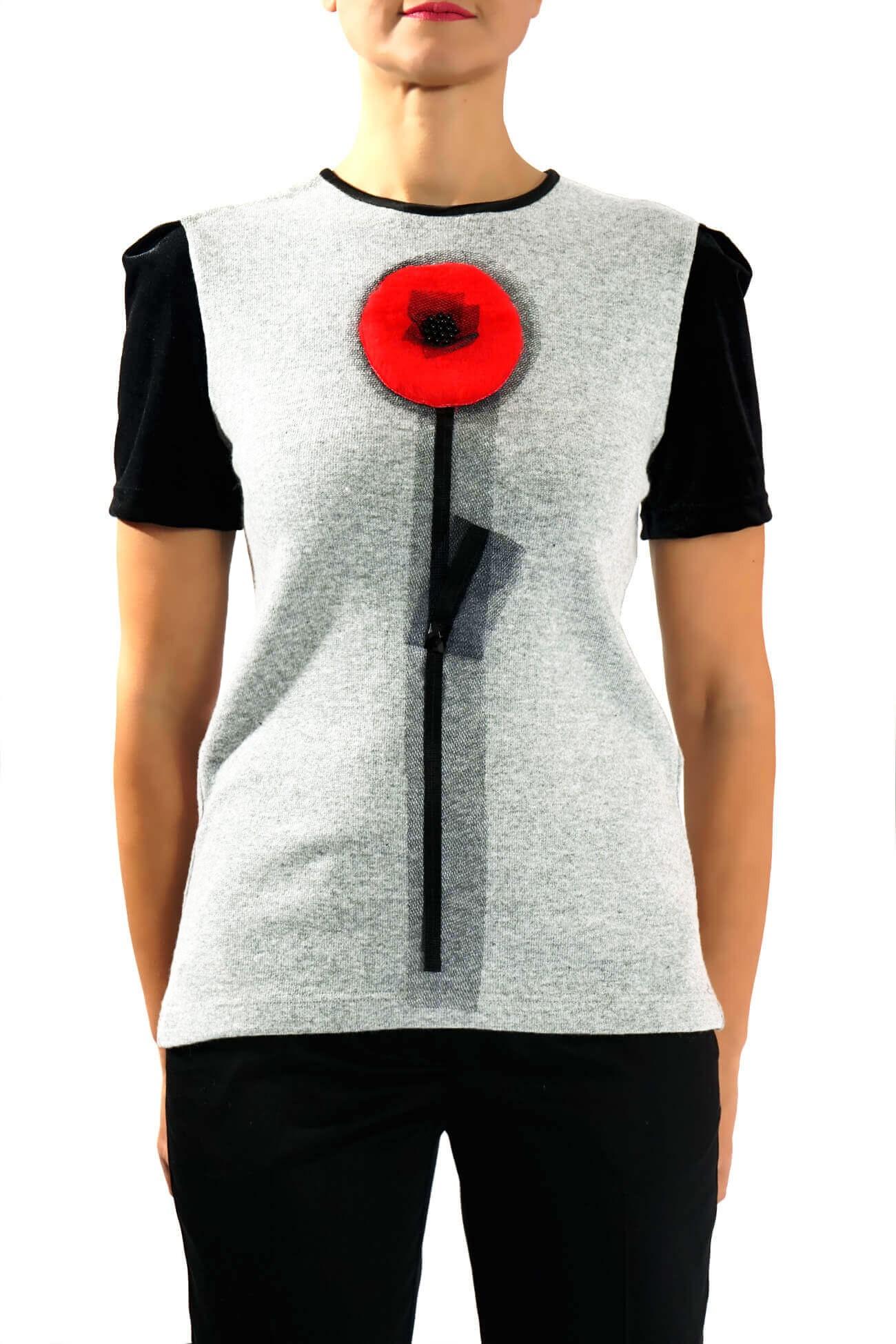 Top tricot cu accesoriu floare blana