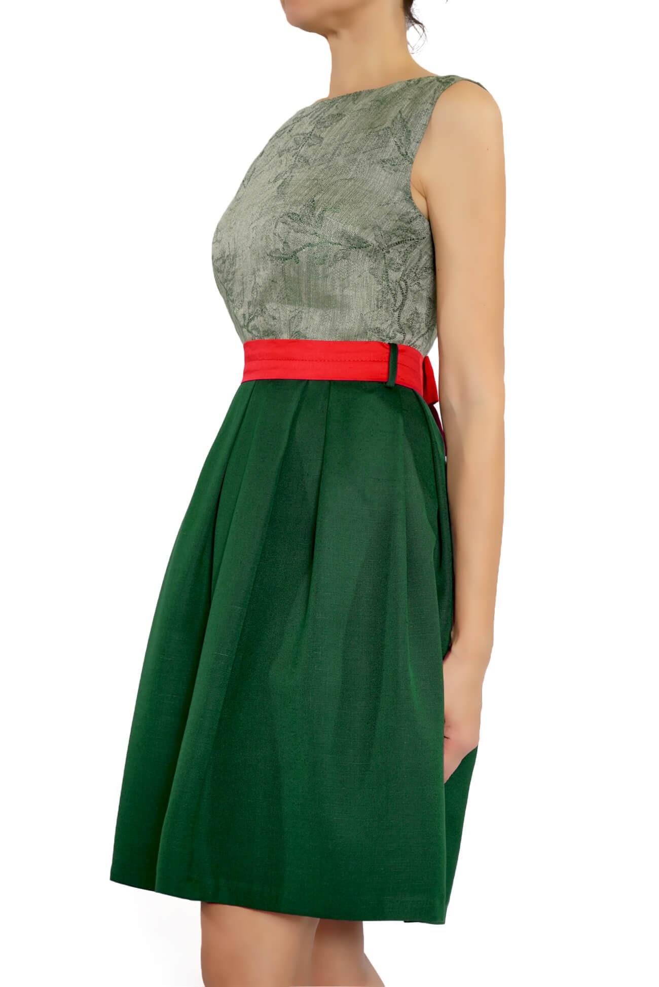 rochie cu bust din brocard de in