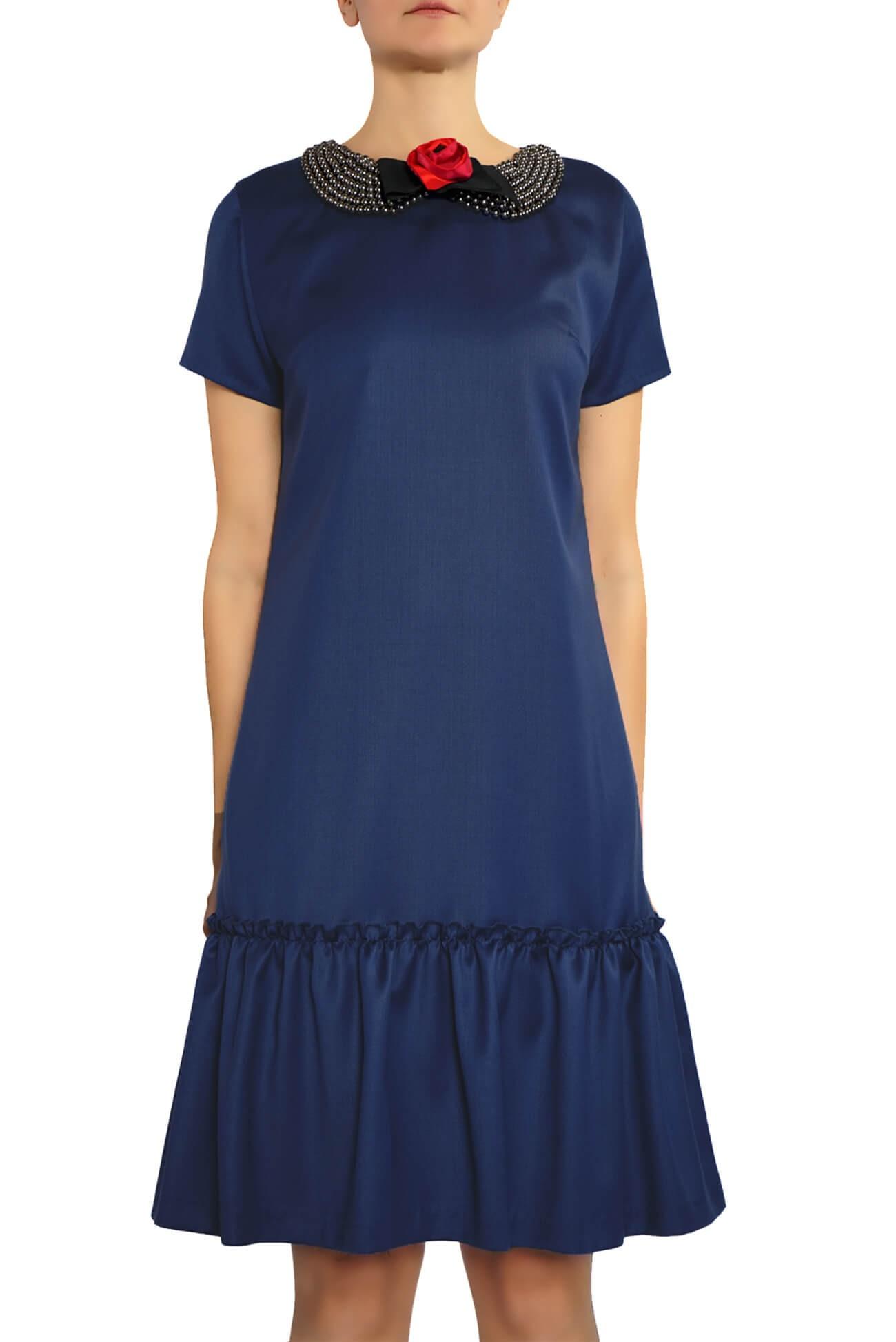 rochie dreapta cu guler din margele