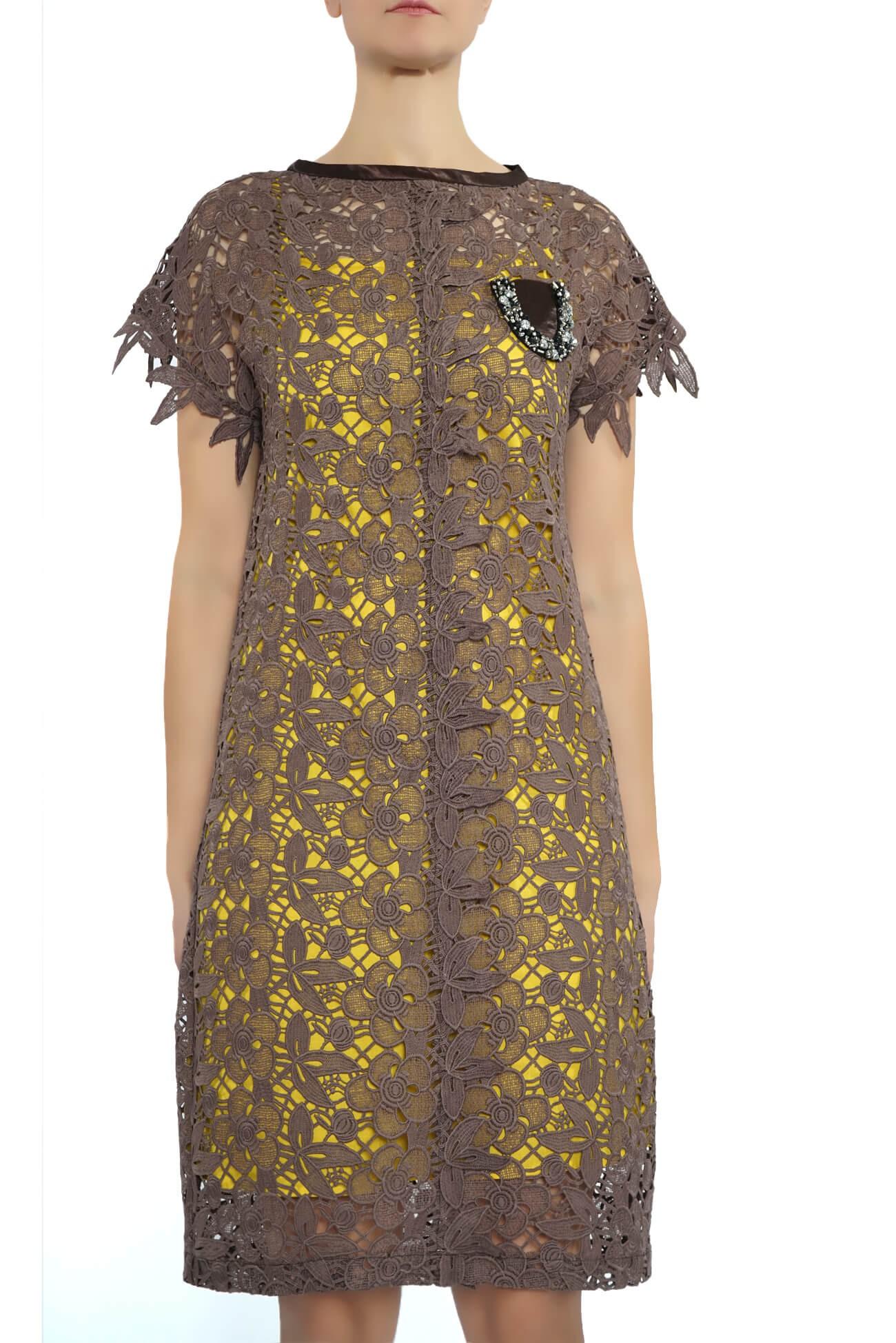rochie dreapta din dantela  (  produs la precomanda  )