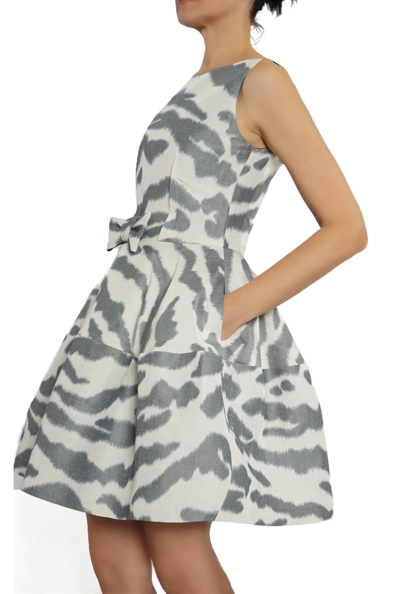 rochie clos din tafta imprimata animal  (  produs la precomanda  )
