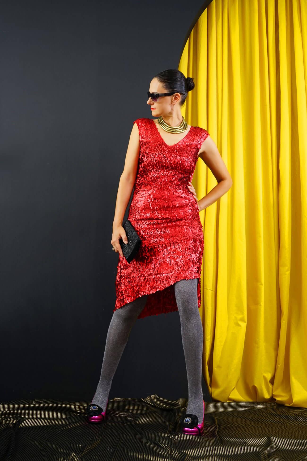 rochie asimetrica din paiete