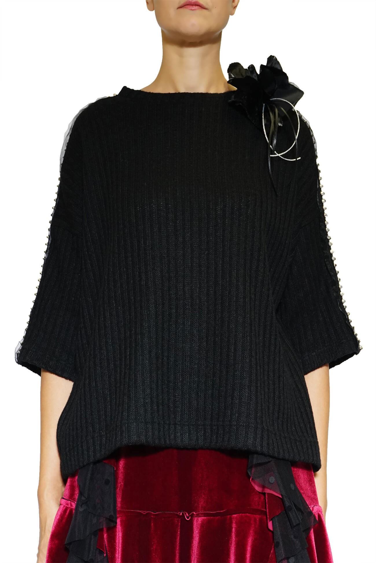 pulover negru larg cu ornament pe umeri(  produs la precomanda  )