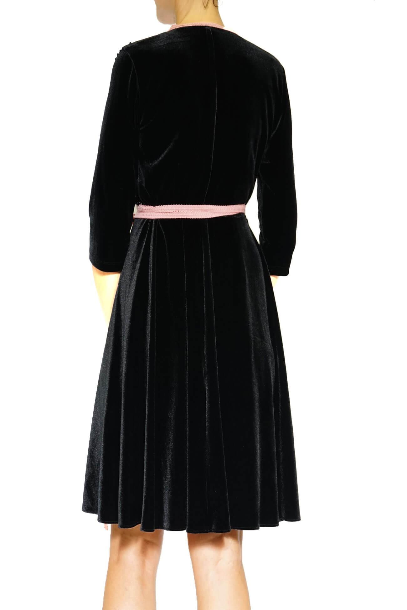 Rochie petrecuta din catifea neagra