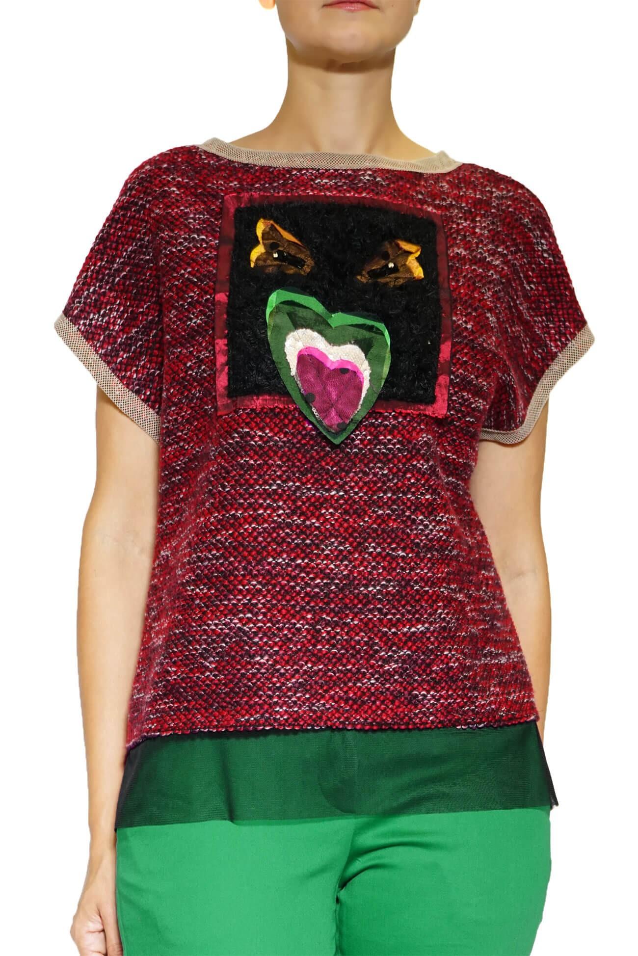 top din tricot  rosu cu aplicatie pasare(  produs la precomanda  )