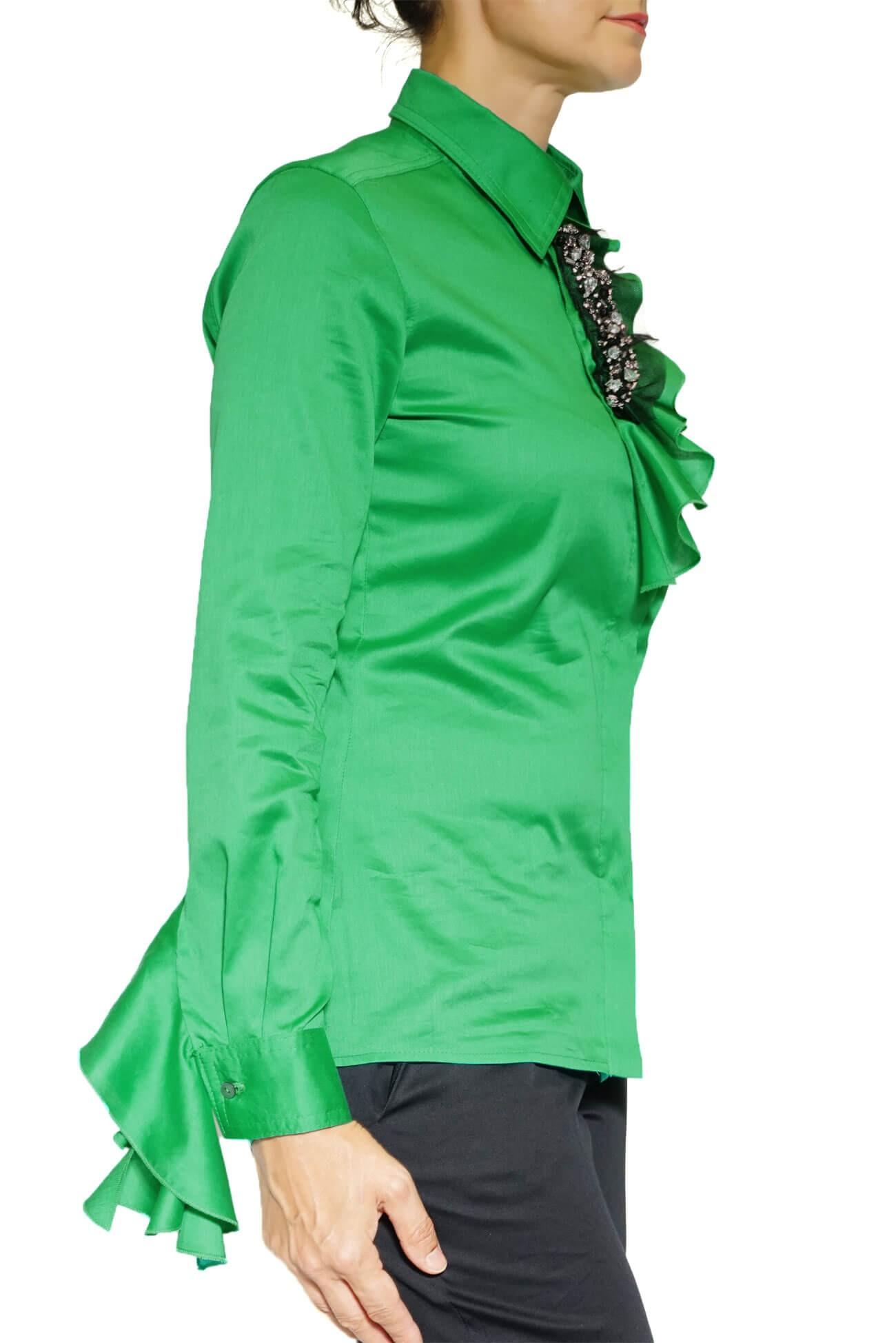 camasa verde cu volane si aplicatii cu pietre(  produs la precomanda  )