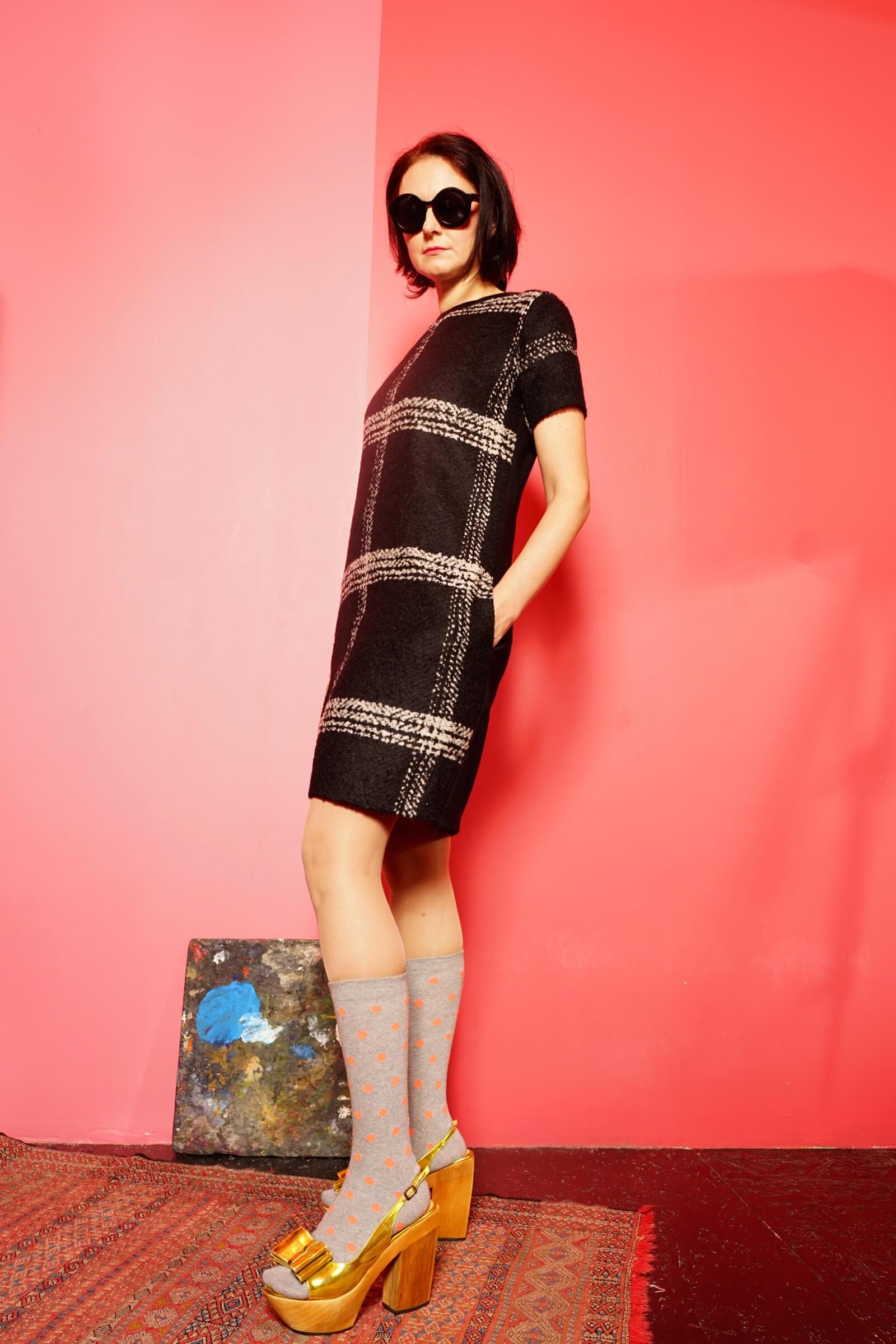 Rochie dreapta in carouri din stofa lana