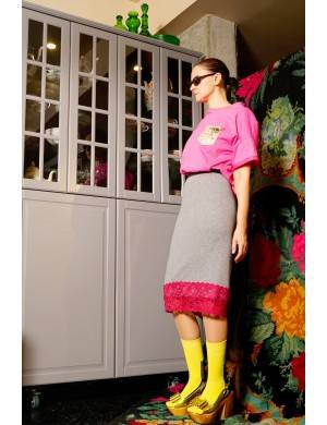 Tricou larg, roz, cu buzunar imprimeu floricele