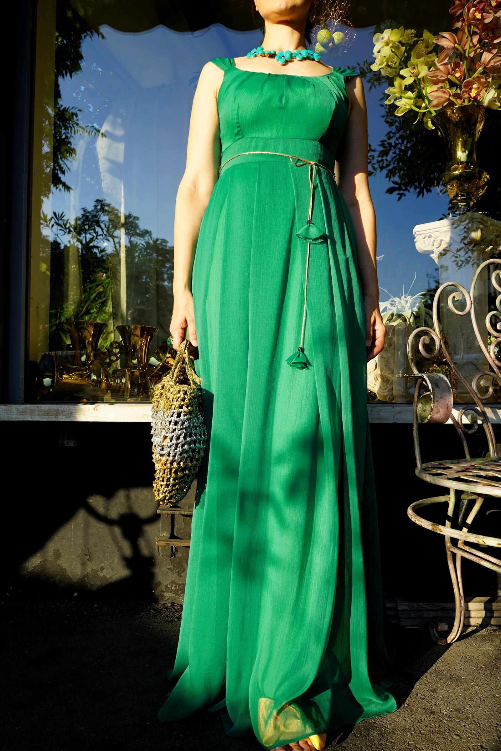 Rochie lunga din voal verde...