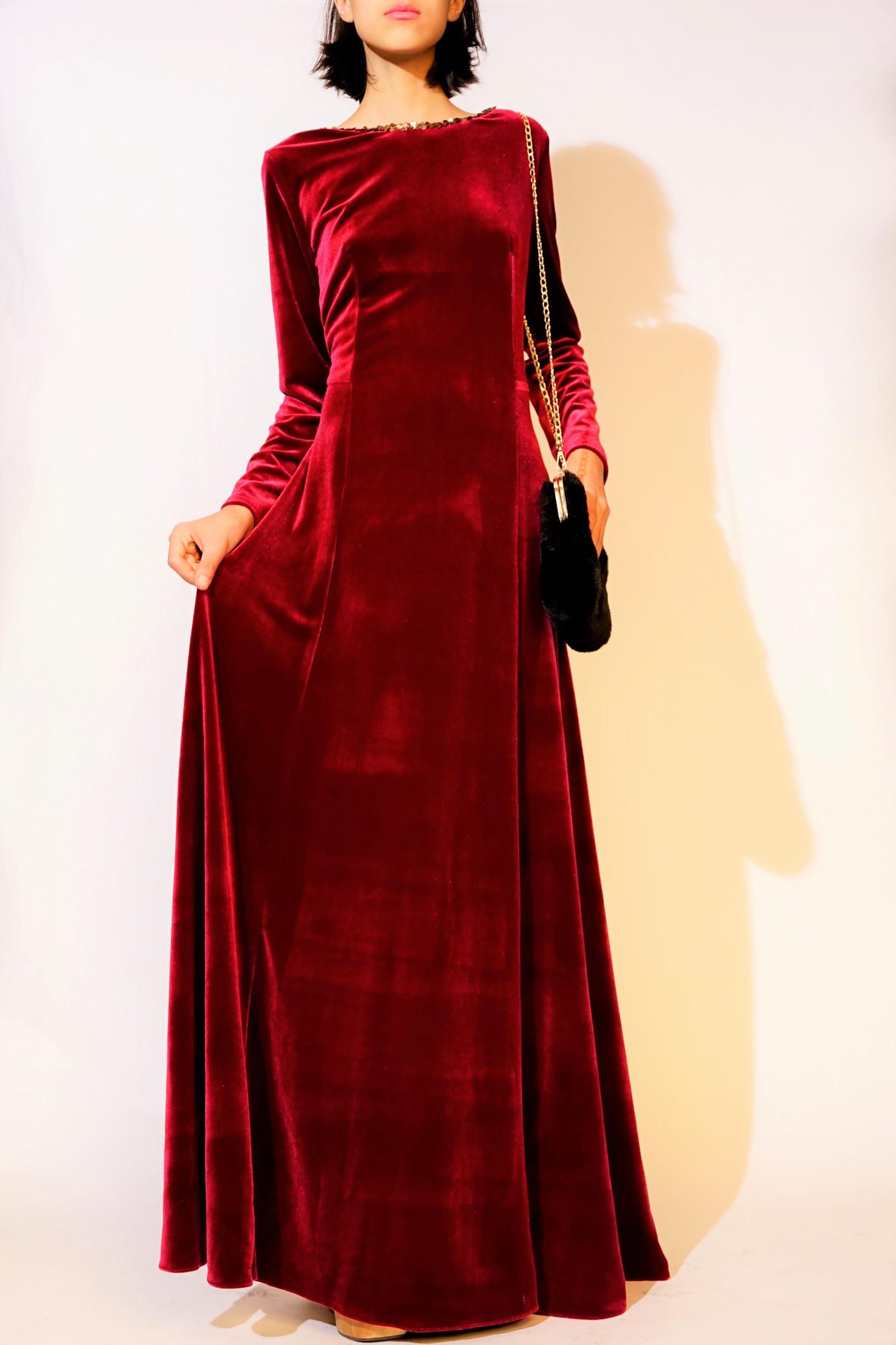 Rochie lunga din catifea rosie