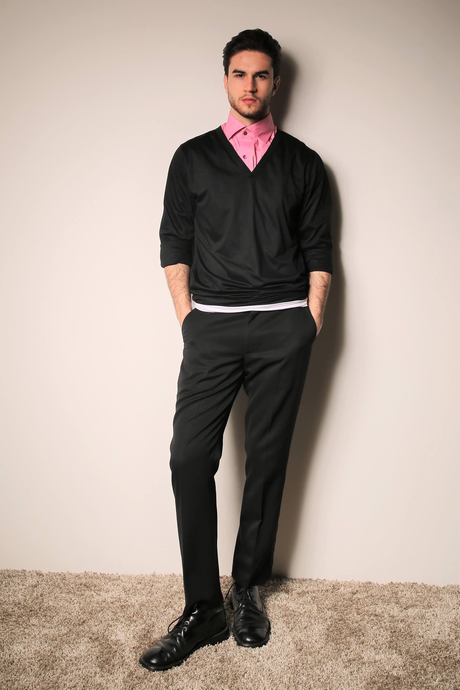 Pantalon negru cu vipusca...