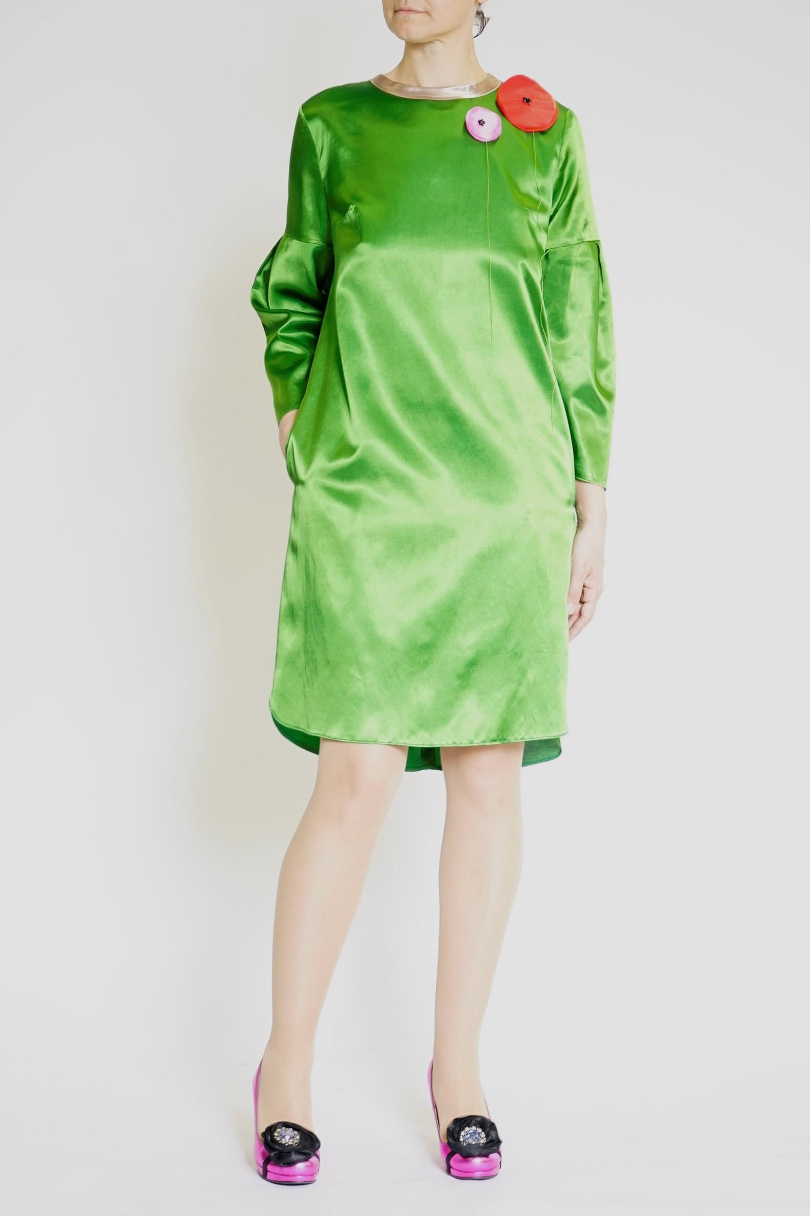 Rochie satinata verde cu maci