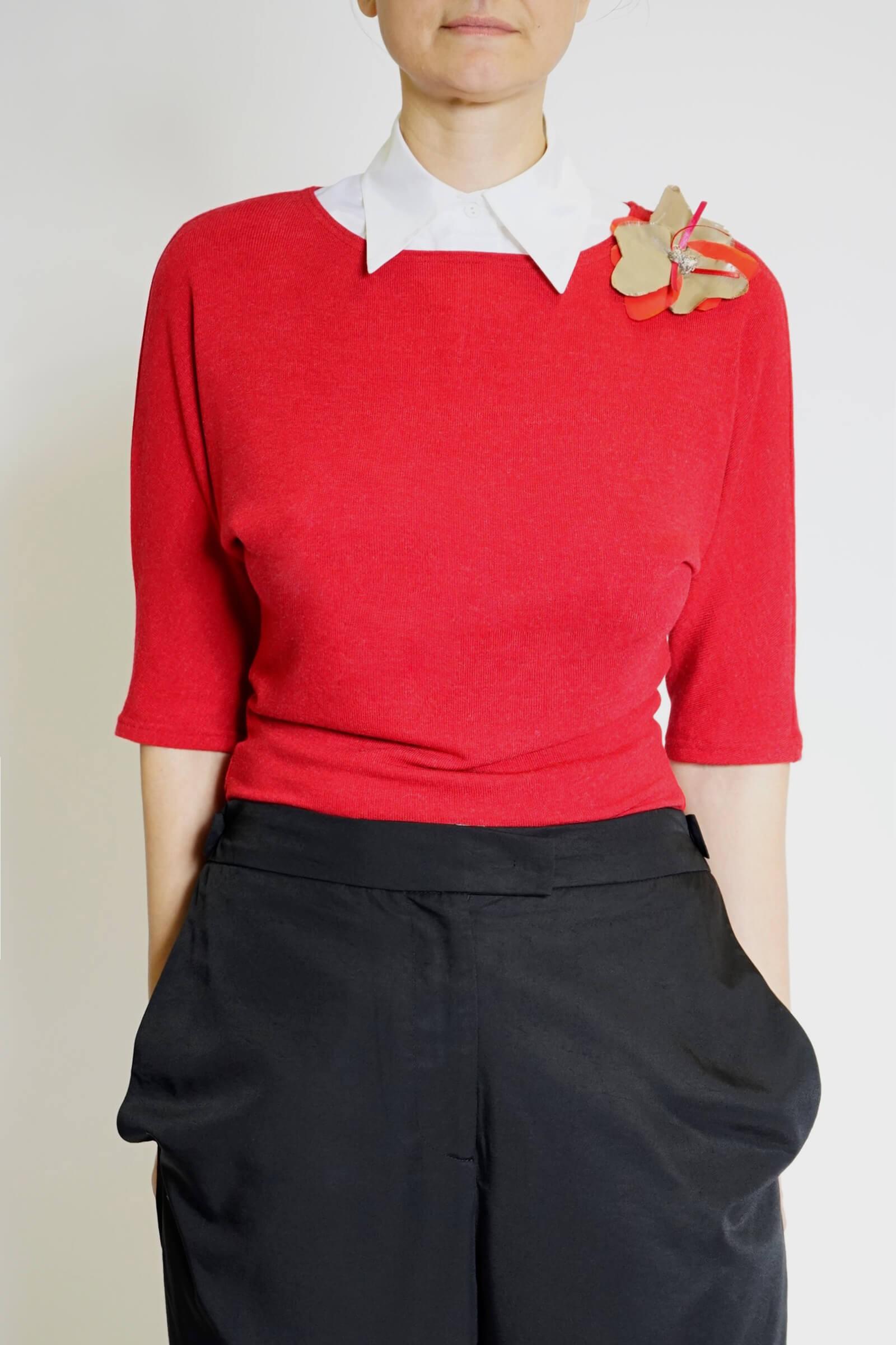 Bluza rosie cu accesoriu