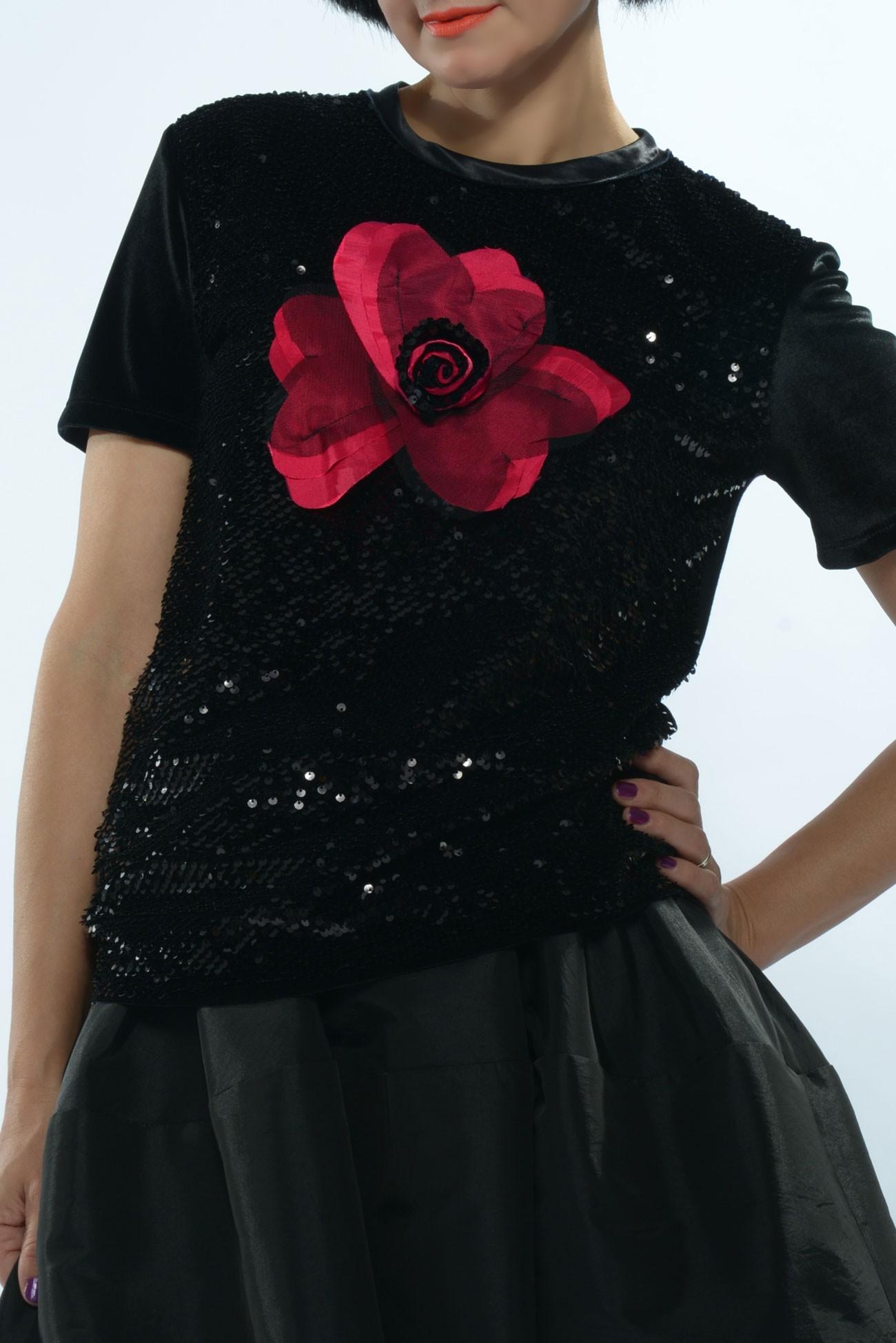 Bluza din paiete cu maneca scurta si floare rosie