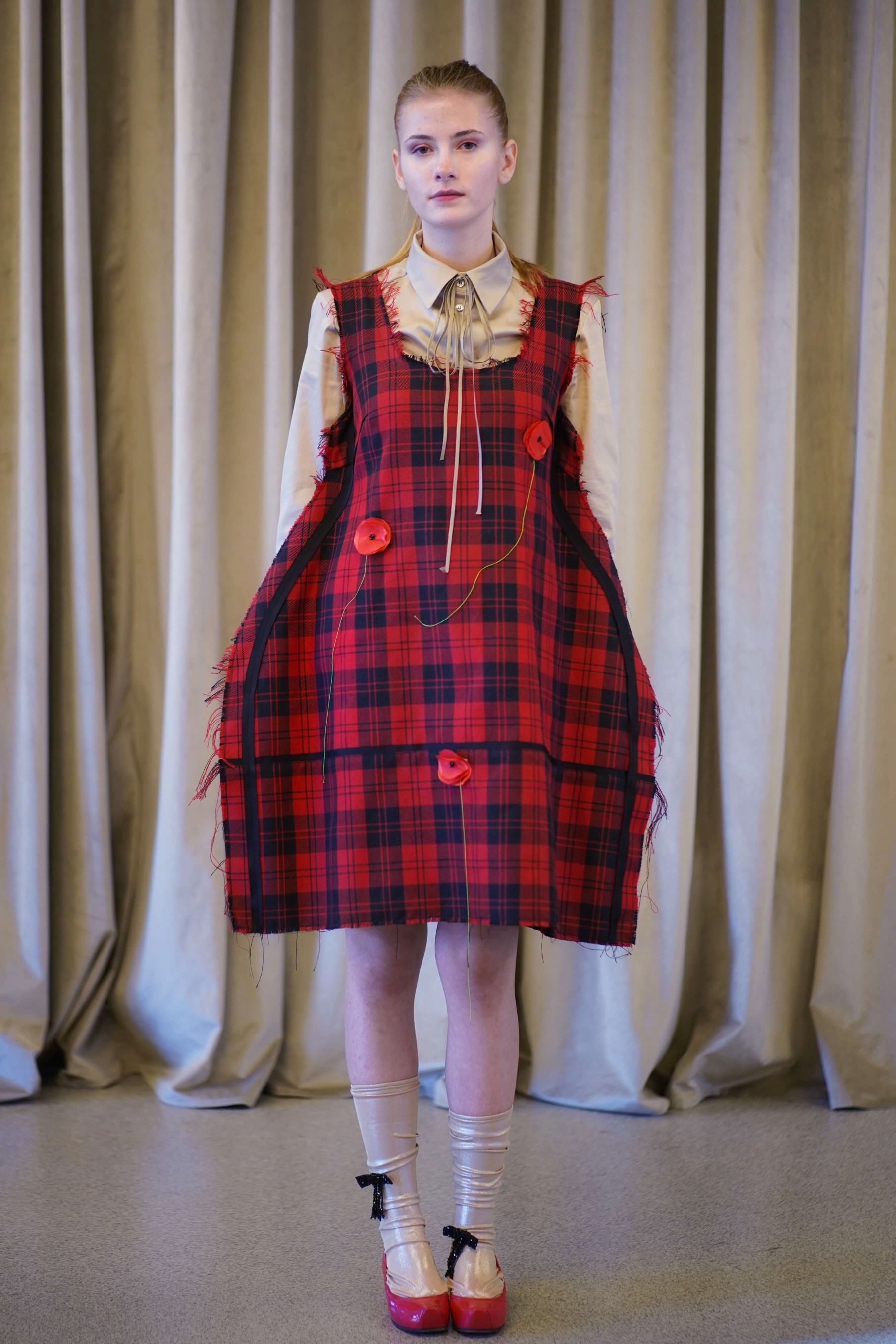 Rochie victoriana rosie in...