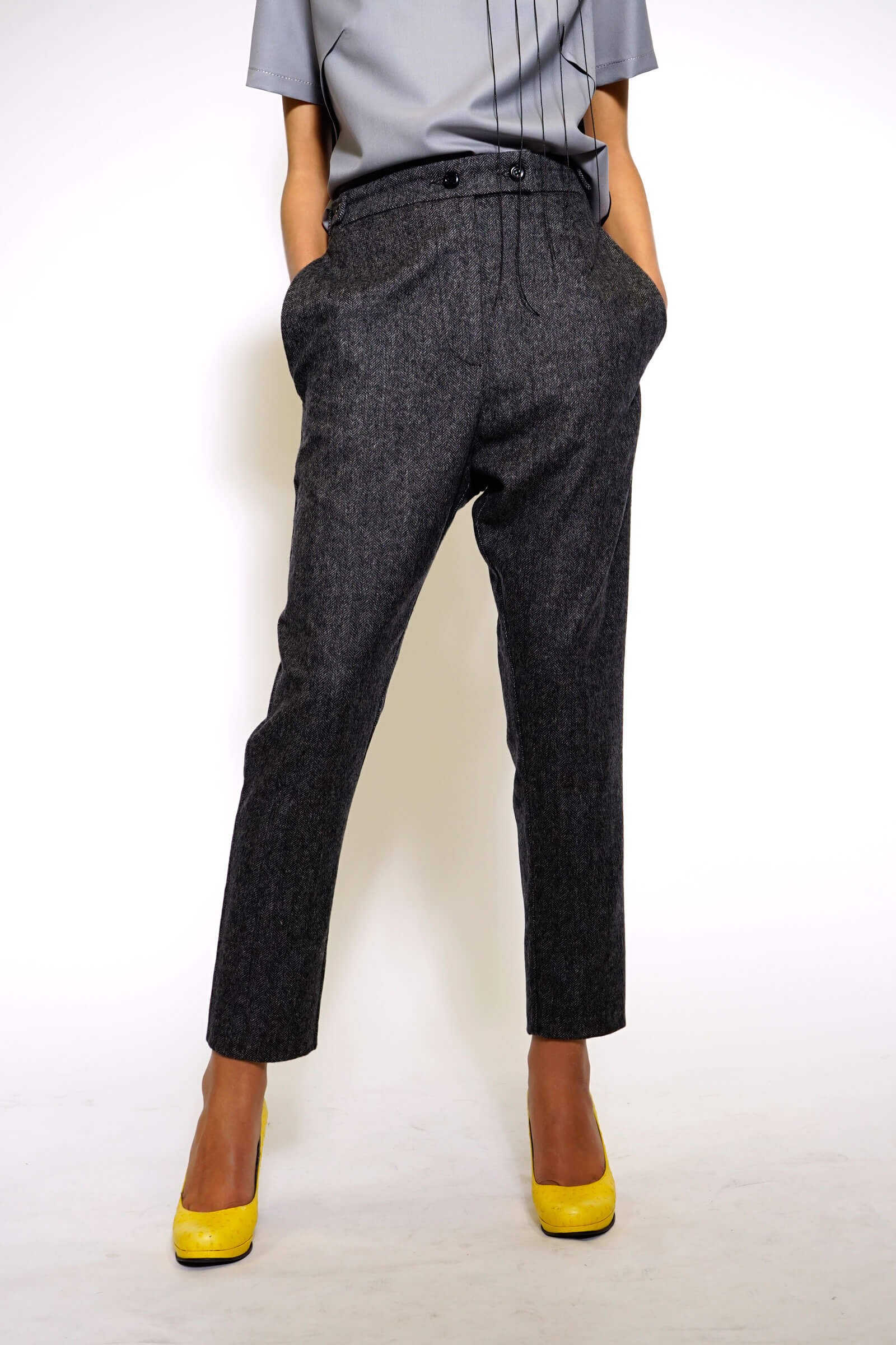 Fir pants with hanging pockets